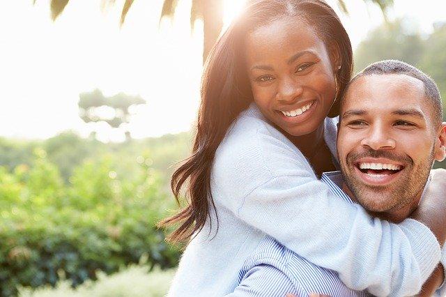 La pareja sana y adulta